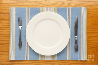 Empty-plate-igor-kislev